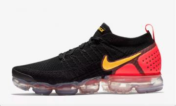 nike air vapormax run utility black gold red