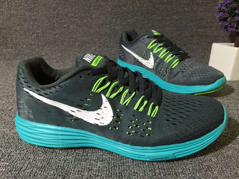 running shoes nike lunartempo 2 pour man cosmos gris