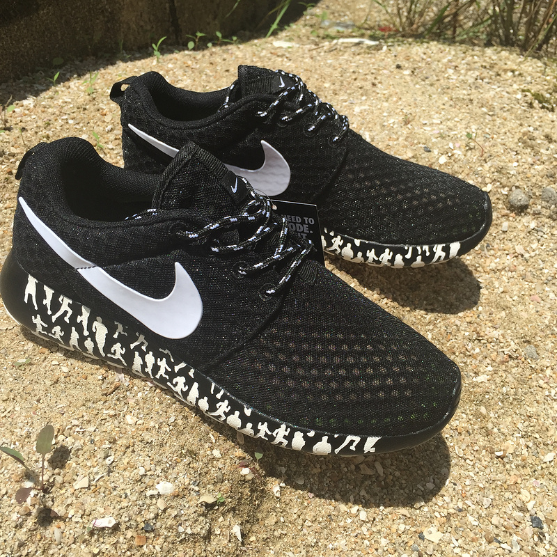 women nike roshe run 3m glow hyperfuse black white logo