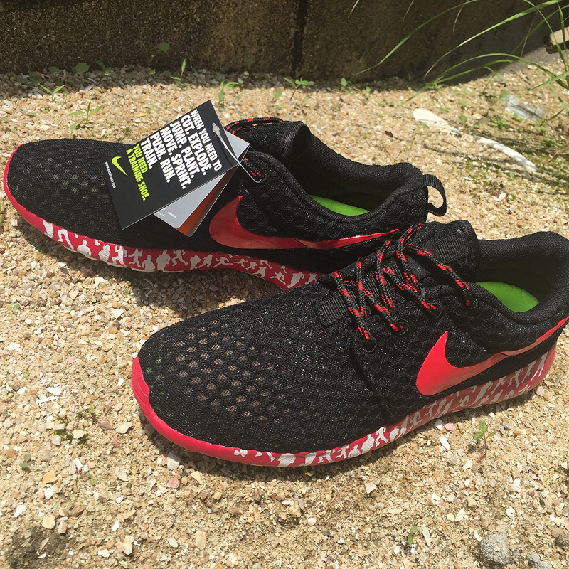 women nike roshe run 3m glow hyperfuse red black discount